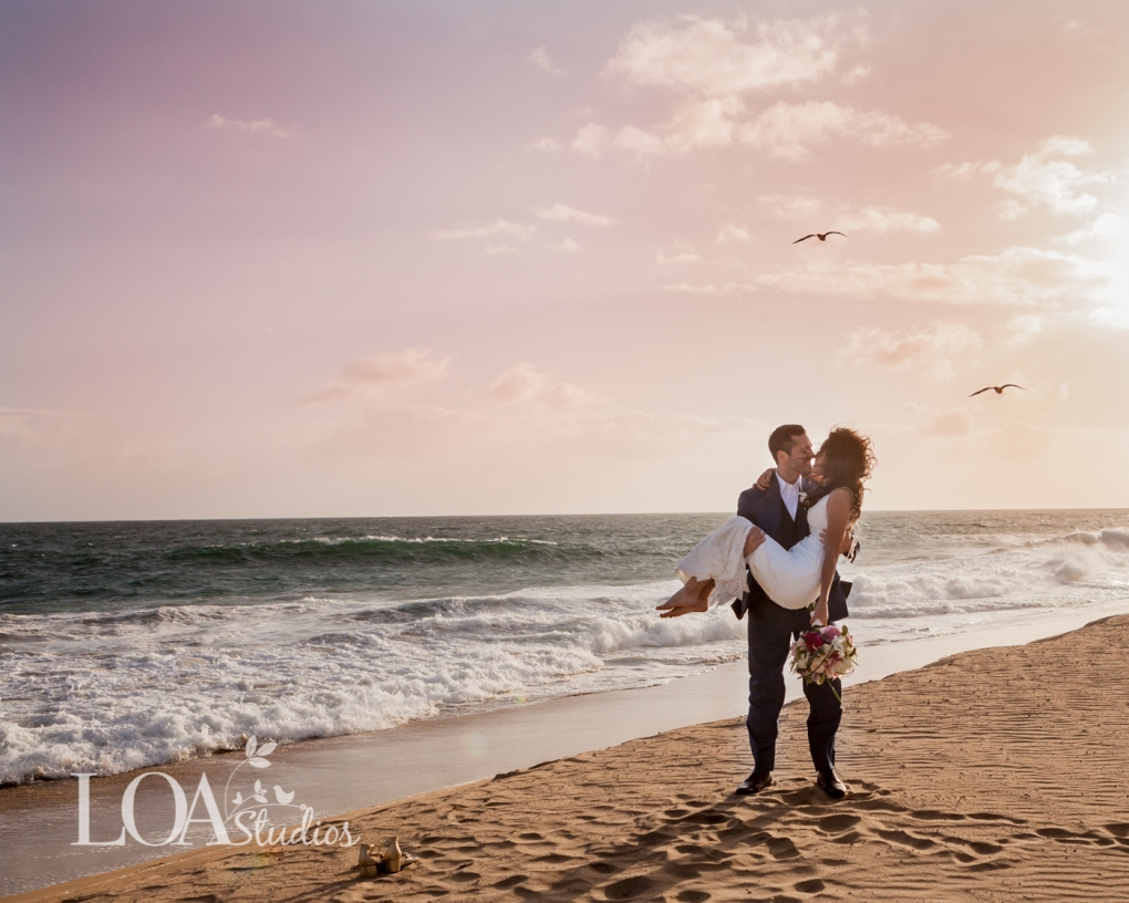 beach wedding pictures photographer
